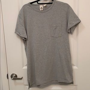 NEW  men's gray pocket t in size M from UO